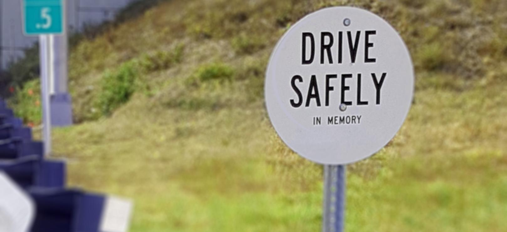 Turnpike-memorial-marker
